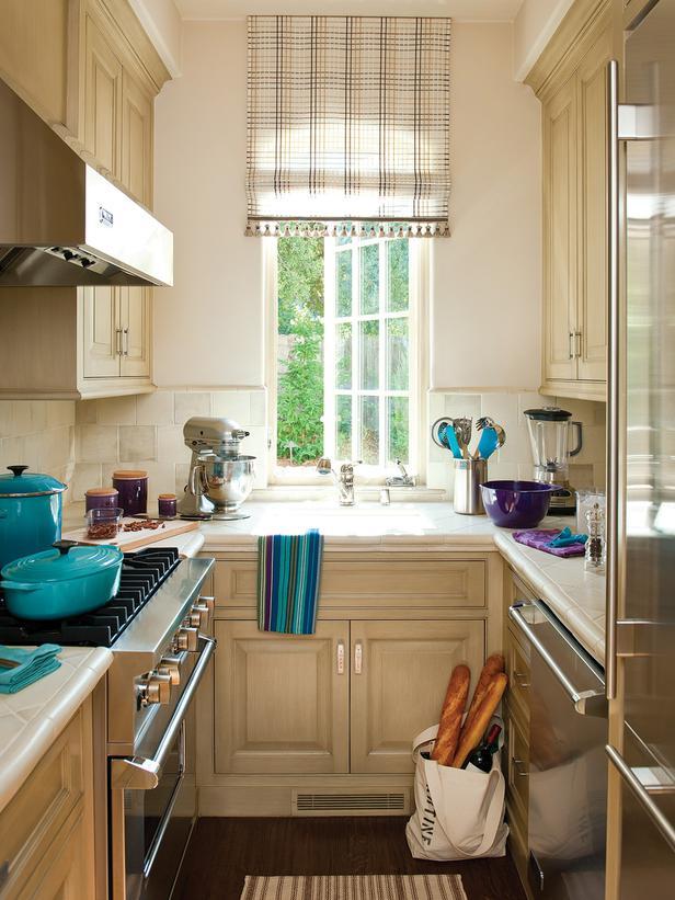ديكورات شباك مطبخ
