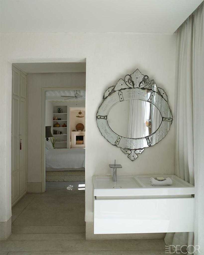 مرآة بتصميم مغربي