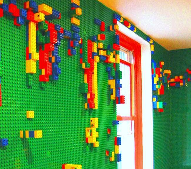 Four-Walled-Duplo-Lego-Room
