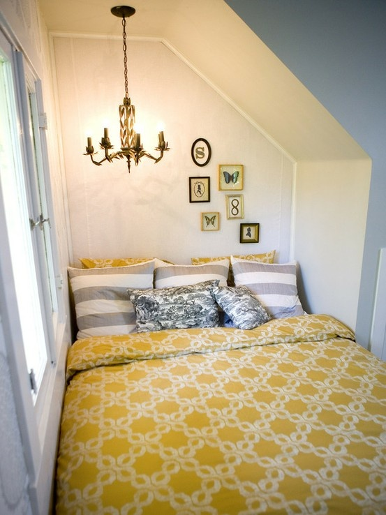 غرفة نوم بمساحة ضيقة جداً