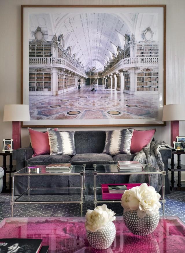 استخدام لوحة فينة كبيرة بغرفة الجلوس