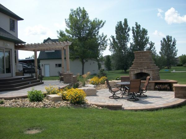 outdoor-living-patio-cover-fireplace