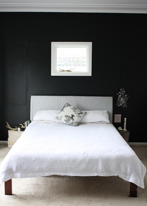 حوائط سوداء لغرف النوم 16