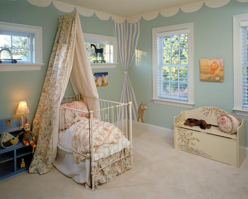سرير اطفال حديثي الولادة