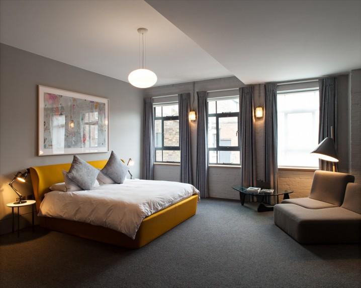 غرف نوم رمادي واصفر