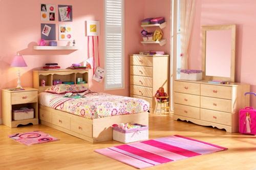 افكار لغرف نوم الاطفال باللون الخشبي وحوائط زهرية