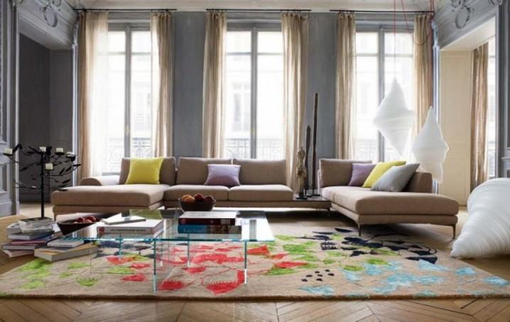تصاميم حديثة لسجاد غرف الجلوس الملون