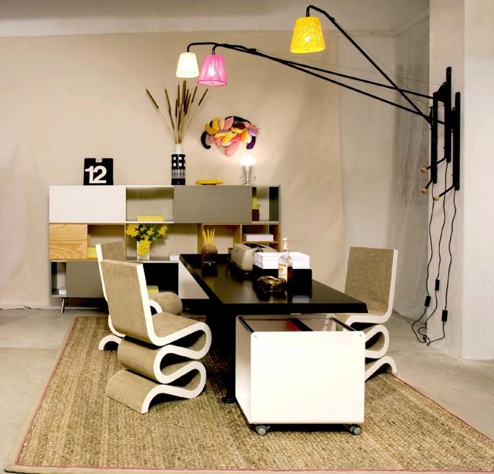 كرسي غريب وانيق لتصميم مكتب جميل