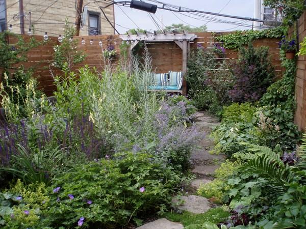 تنسيق حديقة منزل صغيرة 2
