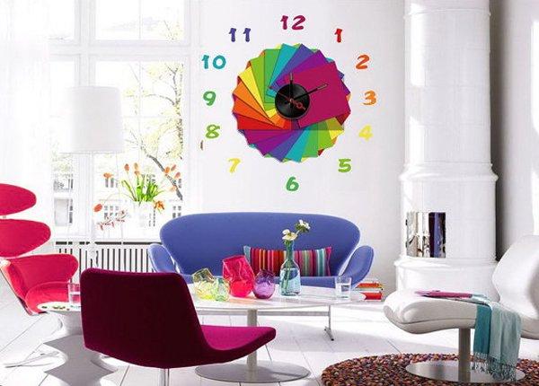 ساعات حائط فخمة مليئة بالحيوية والالوان