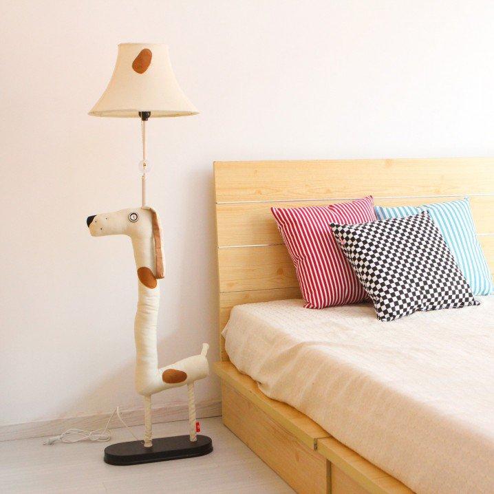 مصباح عمودي جانبي طويل بشكل جميل ولطيف لغرفة أطفالك