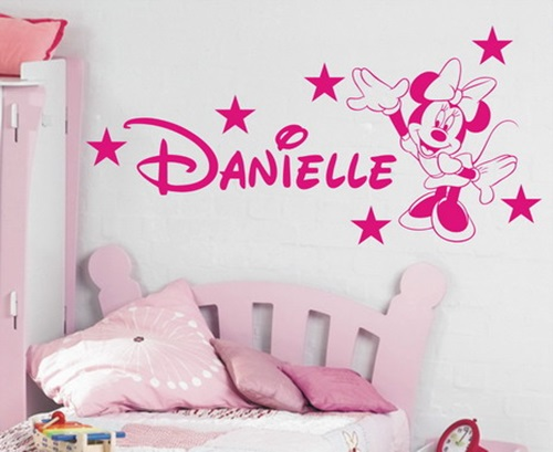 اللون الابيض و الزهري لملصقات غرف نوم البنات
