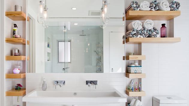 اكسسوارات حمامات رفوف خشبية