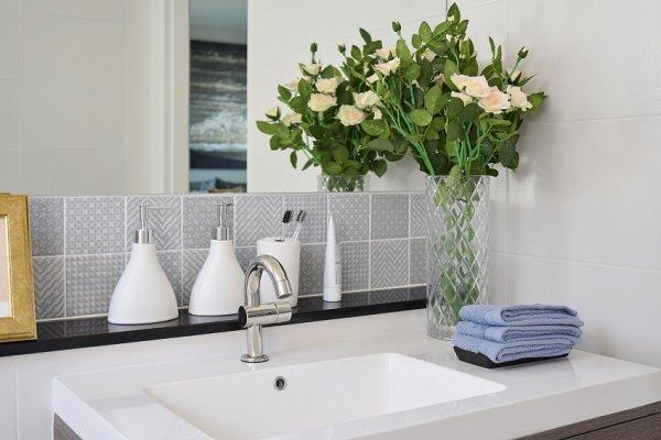 تزيين الحمام بالزهور اكسسوارات