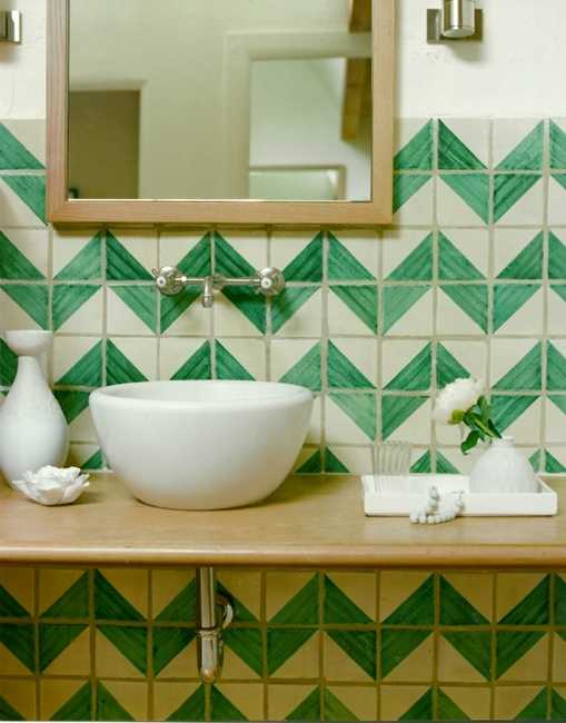 تزيين حمام المنزل باشكال هندسية بسيطة