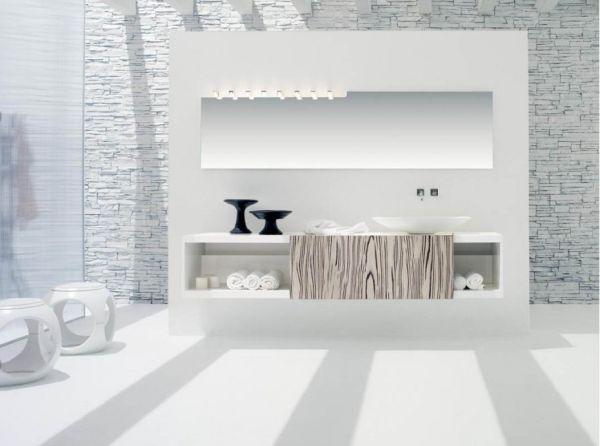 تصاميم حصرية لحمامات باللون الابيض