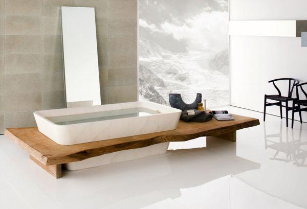 حمامات عصرية باللون الابيض