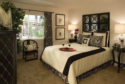 غرفة عصرية بتصميم مريح