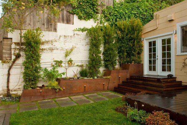 احواض جانبية لحديقة المنزل