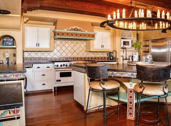 تصميمم مبتكر لثريات المطبخ