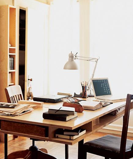 تصميم مكتب لغرفة معيشة صغيرة