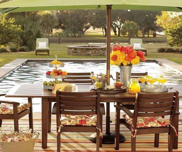 طاولات حدائق خشبية