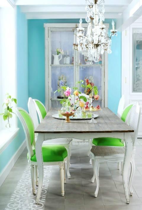ترتيب طاولة الطعام المنزل