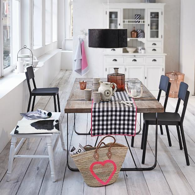 كيف ترتيب طاولة الطعام