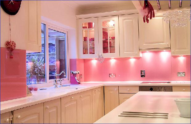 اجمل المطابخ باللون الوردي