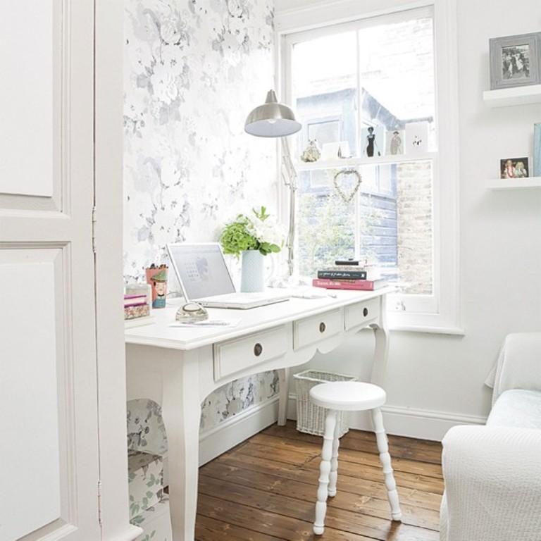 تصميم مكتب منزلي جميل و لطيف باللون الأبيض
