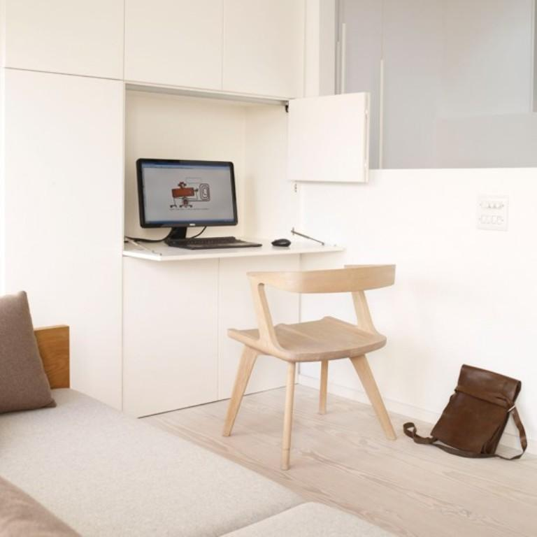 تصميم مكتب بسيط باللون الأبيض