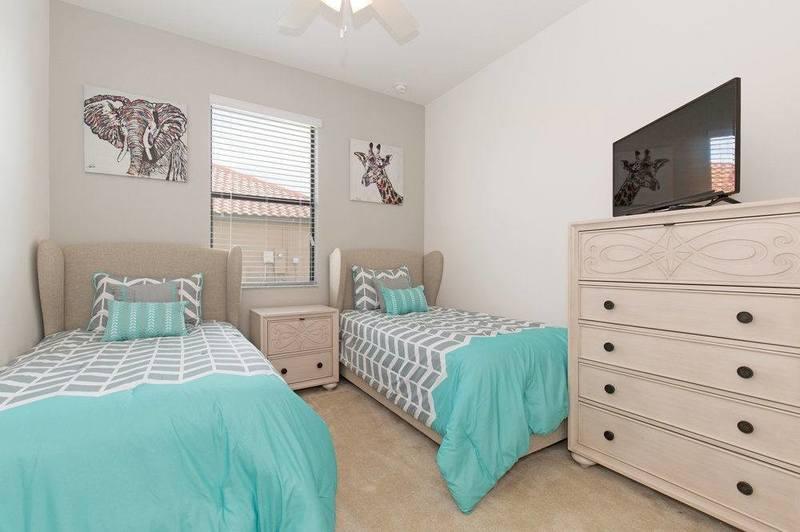 غرف نوم اطفال بسريرين منفصلين